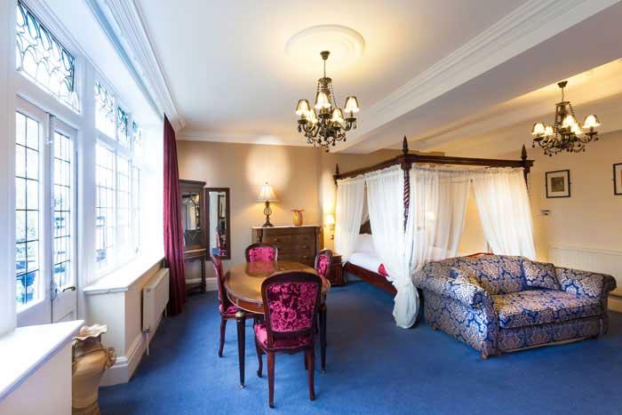 De Rougemont Manor Suite